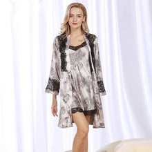 Pattern Fine Artificial Silk Robe Pajamas