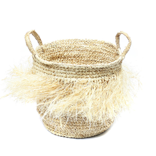 THE HULA RAFFIA BASKETS WITH HANDLES – NATURAL – M