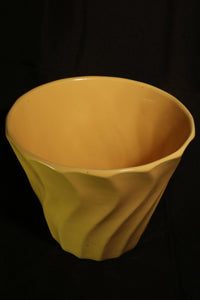 "7"" YELLOW SWIRL POT"