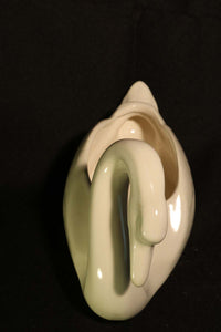 MEDIUM WHITE GLOSSY SWAN