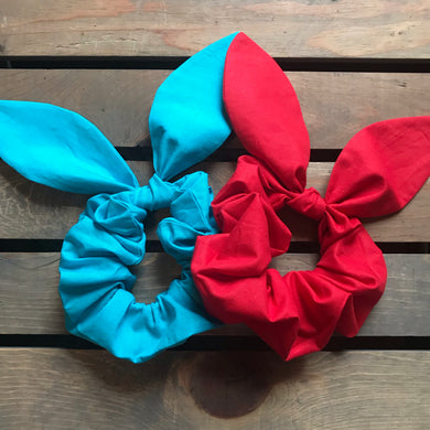 Great Things Retro Scrunchie