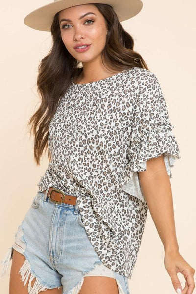 BLUE BUTTERCUP Women's Top LEOPARD / S Leopard Ruffled Sleeve All Over Top || David's Clothing KT80550-03