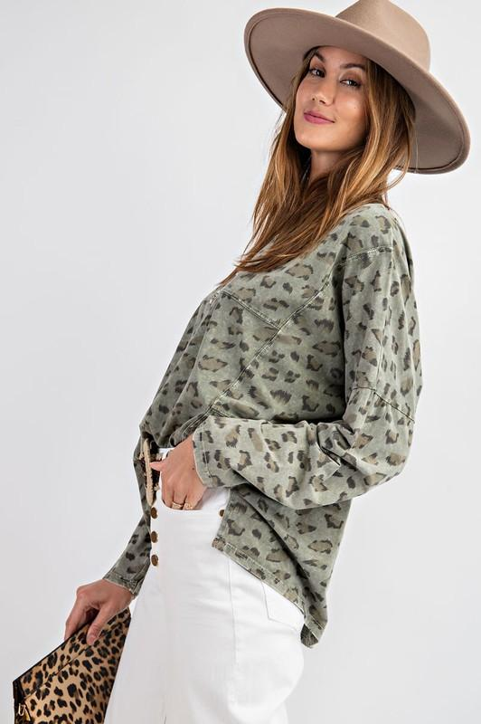 EASEL Women's Top Leopard Print Oversize Long Sleeve Tee || David's Clothing