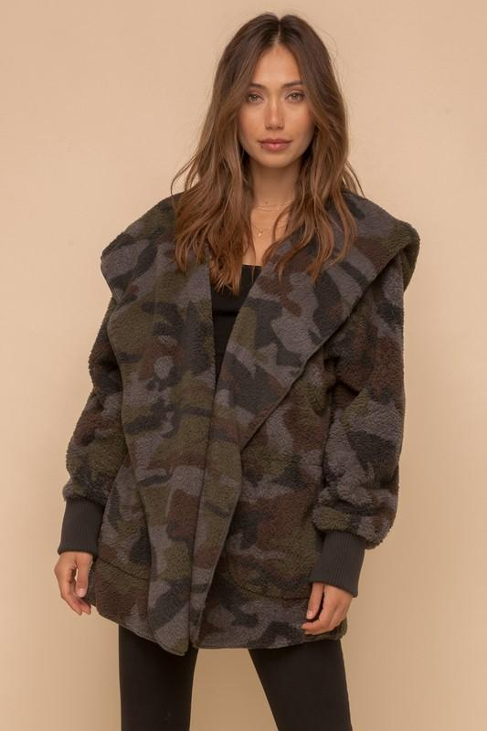 HEM AND THREAD I Women's Outerwear Camo Print Fur Open Jacket || David's Clothing