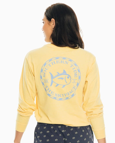 SOUTHERN TIDE Women's Tees Southern Tide Skipjack Circle Long Sleeve T-Shirt || David's Clothing