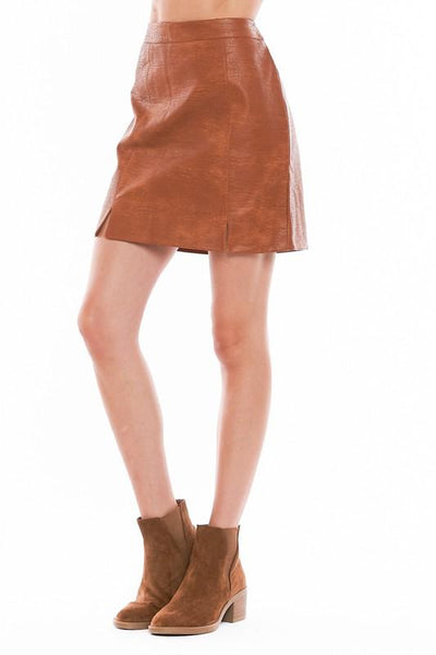 VERY J Women's Skirts Faux Leather Mini Skirt || David's Clothing