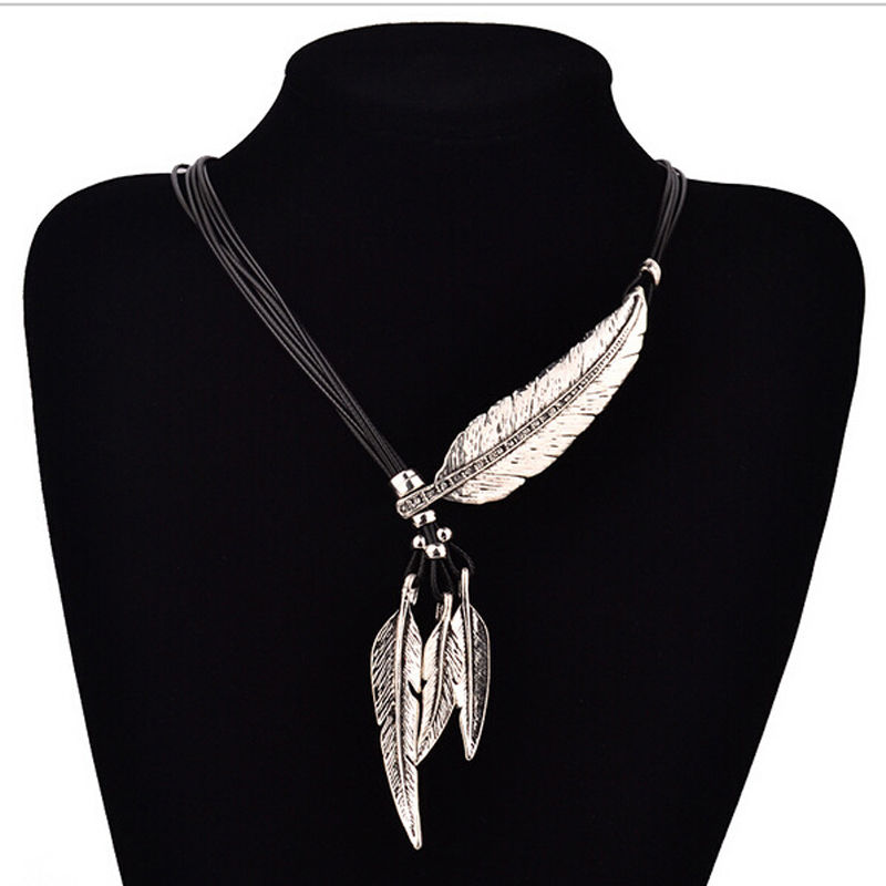 Feather Necklace - The Creative Booth