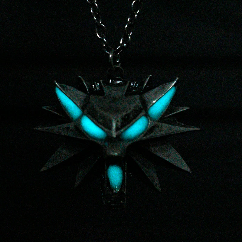 Glow In The Dark Wolf Pendant - 65% OFF! - The Creative Booth
