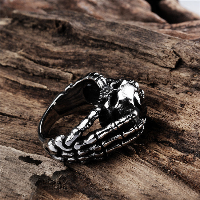 Devil Claw Skull Ring - The Creative Booth