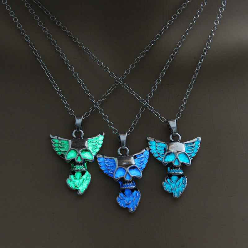 Luminous Skull Necklace - The Creative Booth