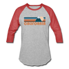 California Baseball T-Shirt - Retro Mountain Unisex California Raglan T Shirt - heather gray/red