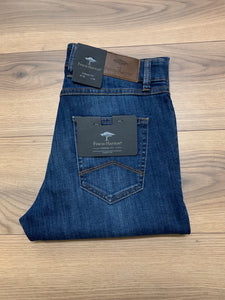 Fynch Hatton Straight Leg Jean - Dark Wash - jjdonnelly