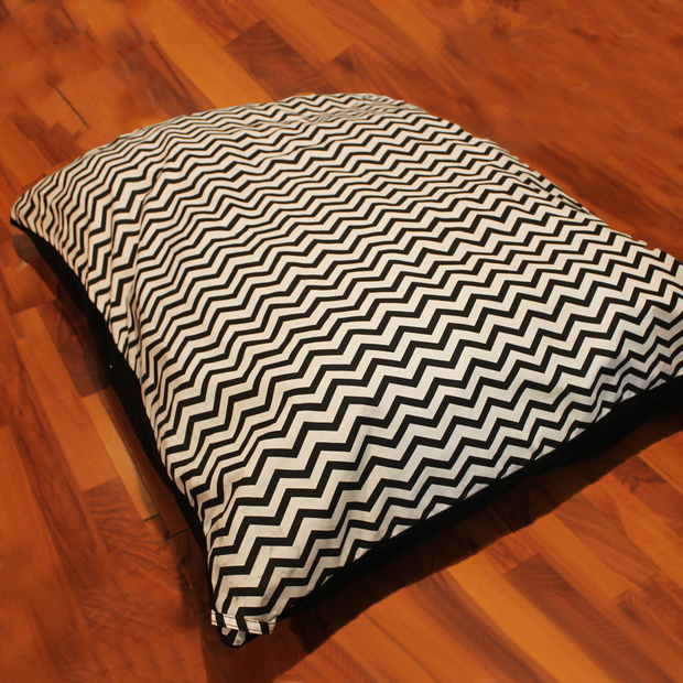 "Pillow Bed ""Cover"" - Black Stripes"
