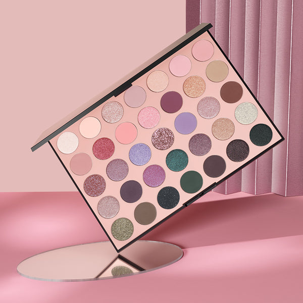 NEW 35C Everyday Chic Artistry Palette