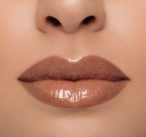 LIP GLOSS - SAUCED ON LIGHT COMPLEXION MODEL