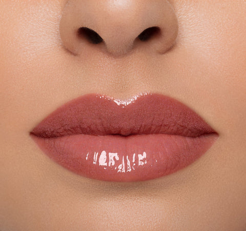 LIP GLOSS - GROUPIE ON LIGHT COMPLEXION MODEL