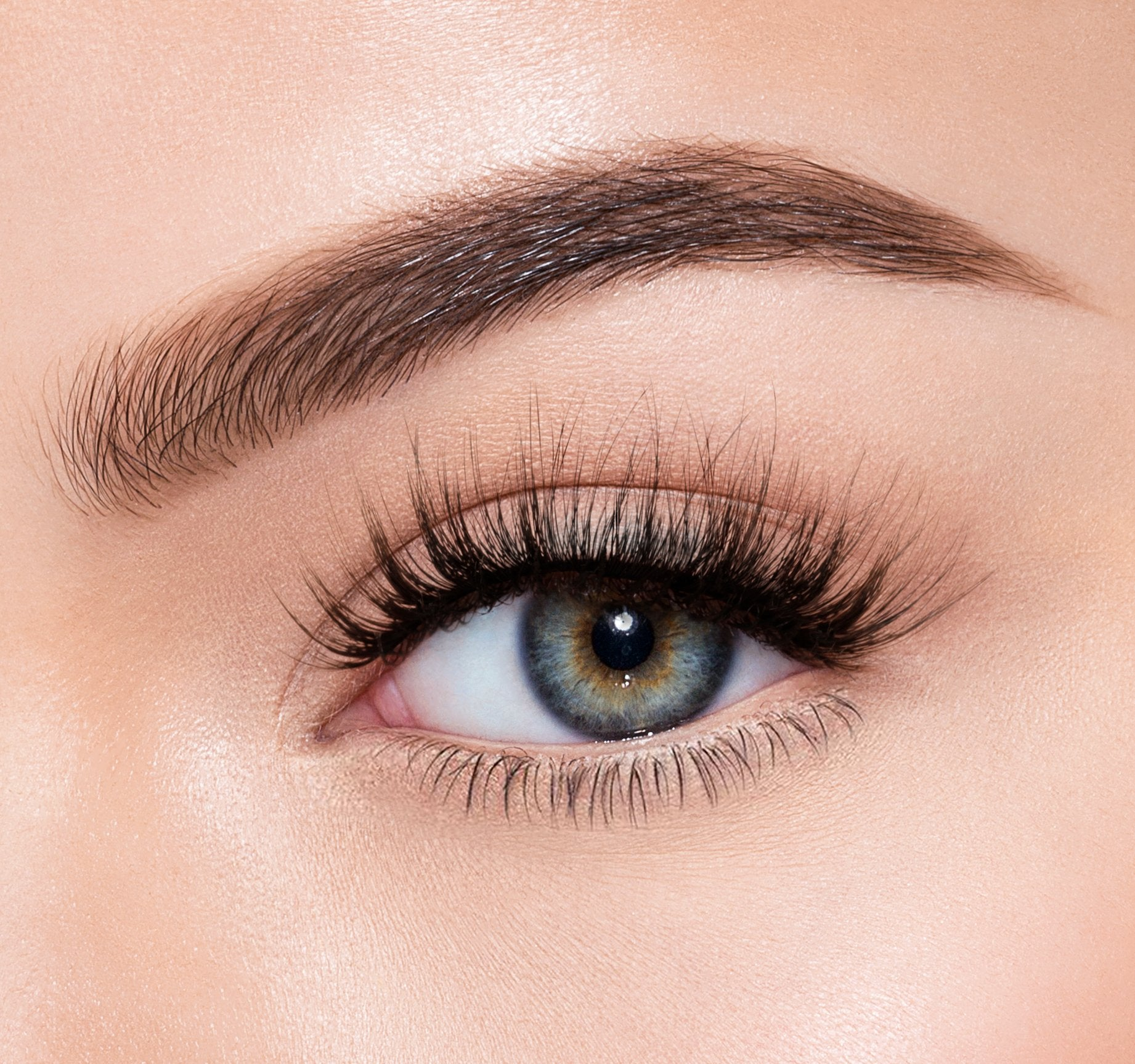 PREMIUM LASHES -  OBSESSION ON MODEL, view larger image