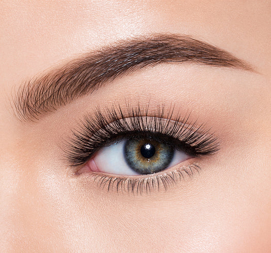 SOPHISTICATED-MORPHE PREMIUM LASHES ON MODEL