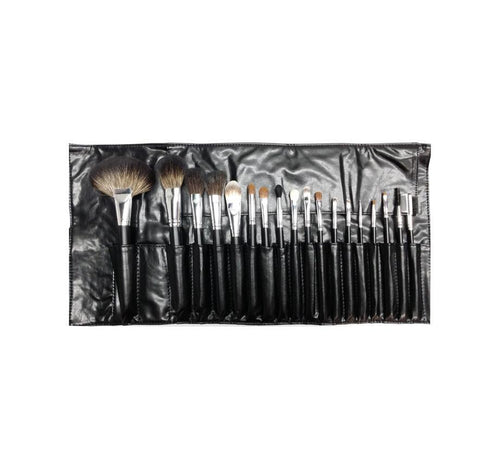 SET 681 - 18 PIECE BRUSH SET