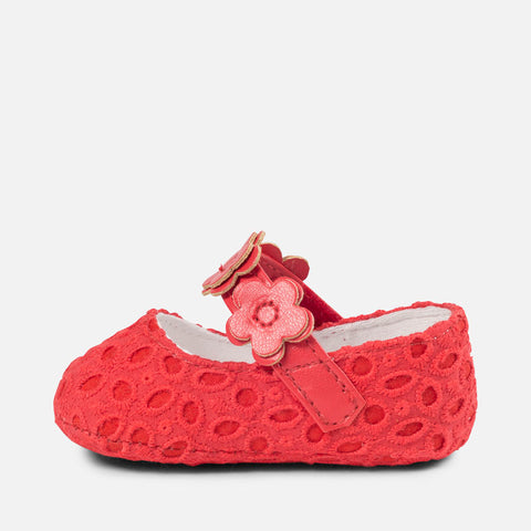 Mary Jane shoes with openwork and flowers for baby girl