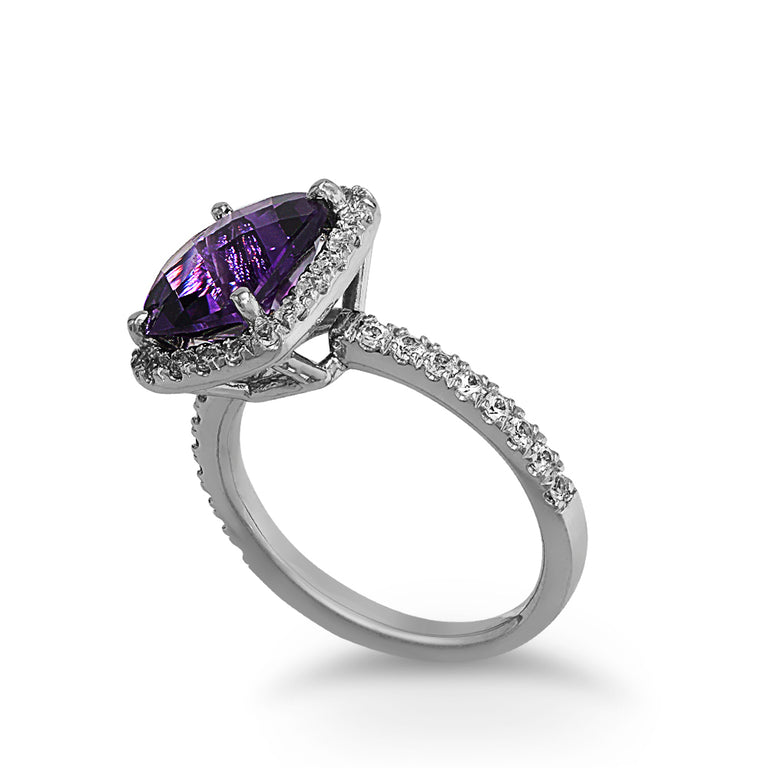 White Gold Cushion-cut Amethyst Ring