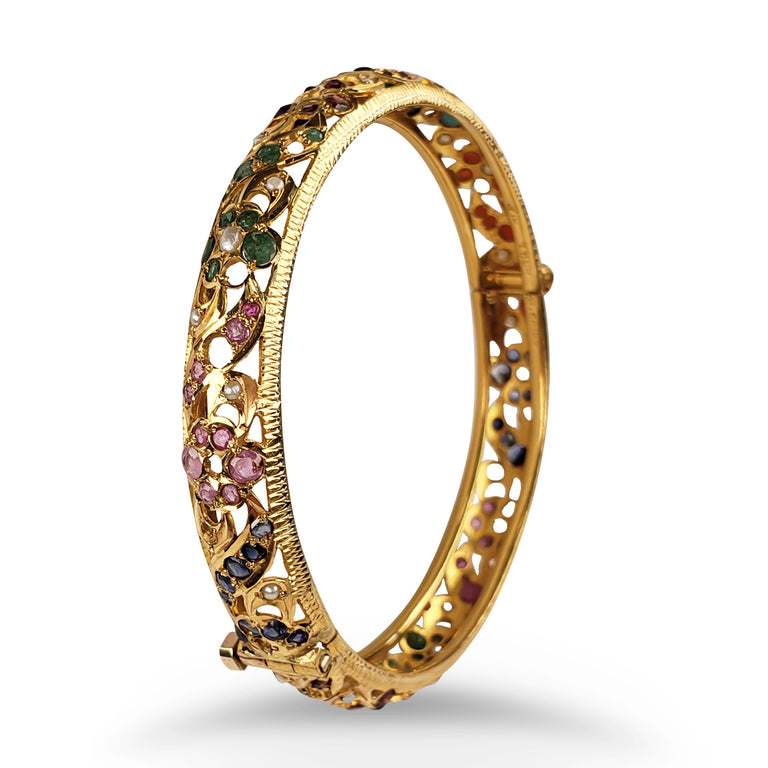 20kt Gold Bangle