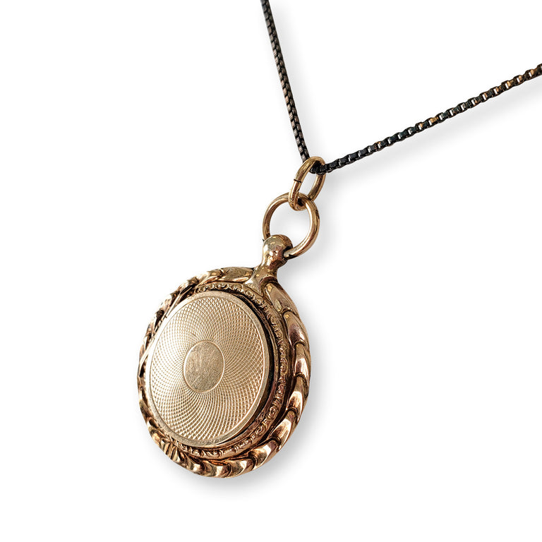 Vintage Circa 1940s Locket with Photo