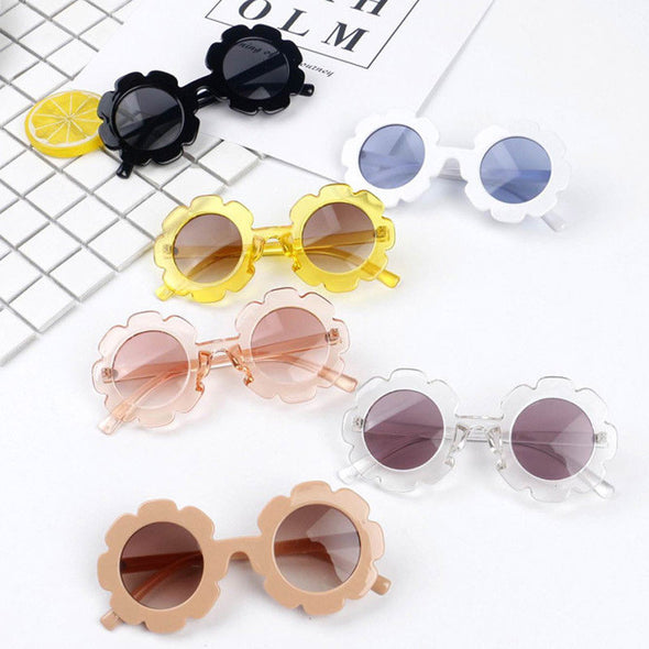 Chic flower sunglasses