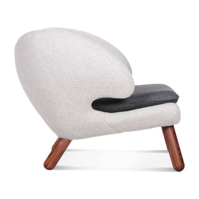 Finn Juhl Pelican Chair With Buttons - EternityModern