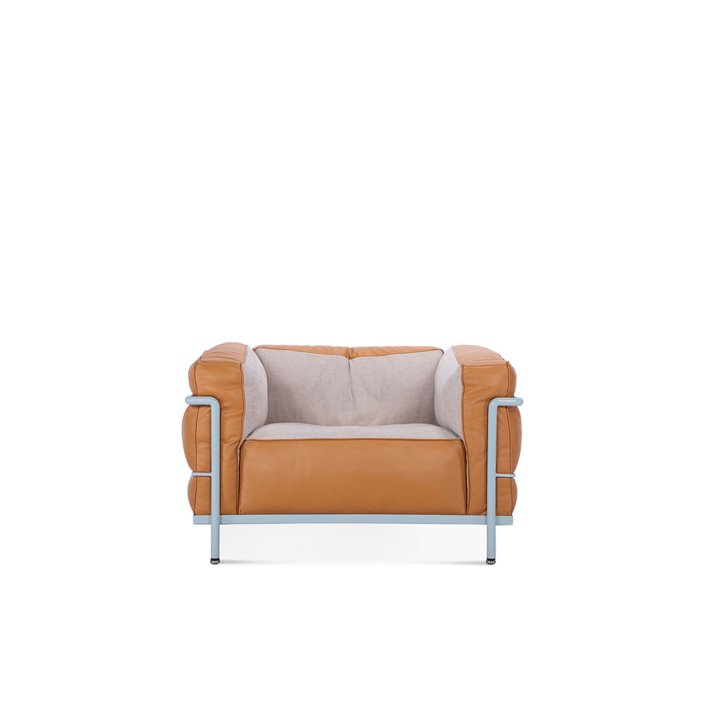 LC3 Grand Modele Armchair With Down Cushions / Special Edition - Aniline Leather Camel + Linen