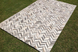 Metric Chevron Patterned Carpet - Casa Suarez