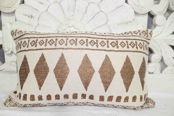 Triangle Patterned Cushion Cover - Casa Suarez