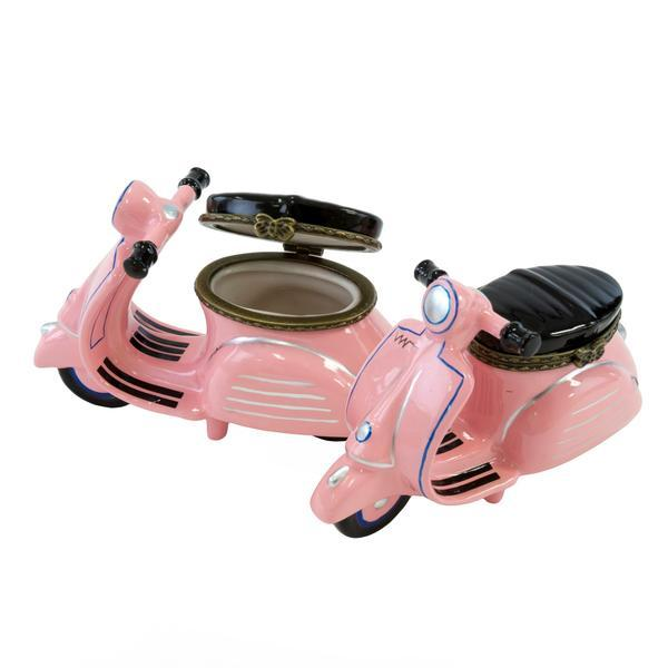 Decorative pink scooter. Jewerly box - Casa Suarez