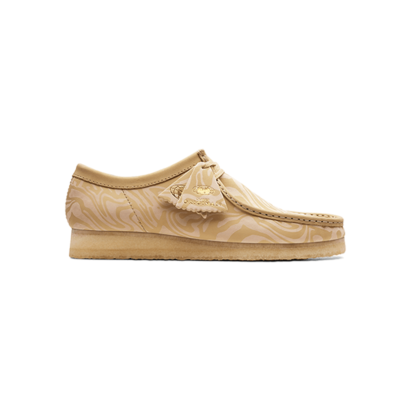 Men's Wallabee Lo Zebra Clarks - Maple