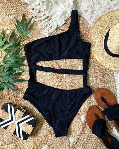 MARQUEE ONE PIECE