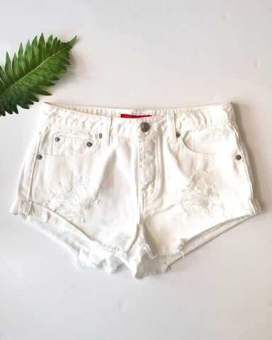 JEAN SHORTS W/ RIPS - WHITE