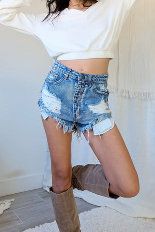 JAZZY DENIM SHORT - BLUE WASH