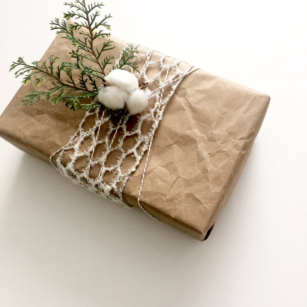 DIY Farmhouse Present Wrapping