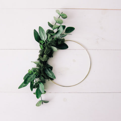 Small Woodland Greenery Modern Wreath