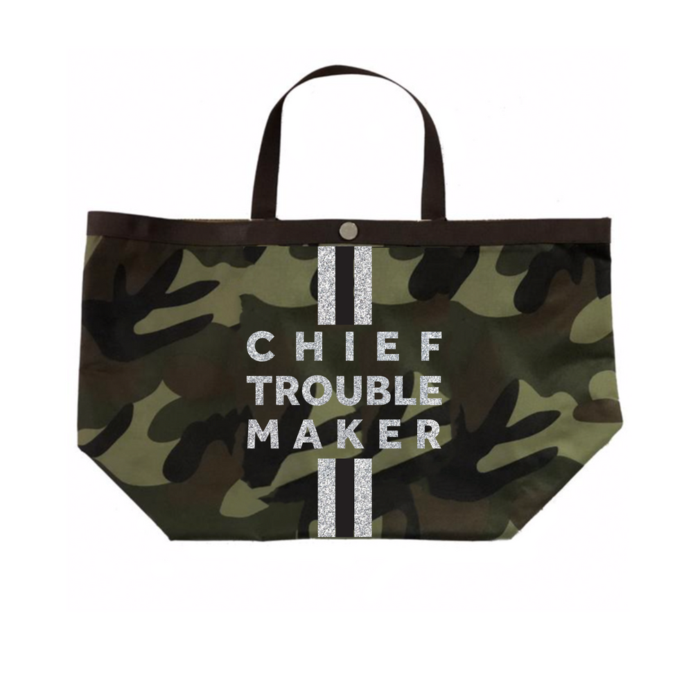 Camo Chief Troublemaker Tote in Silver Metallic