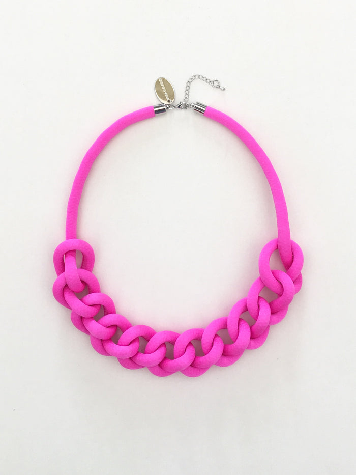 COLLAR CADENA fucsia chicle