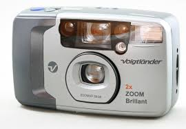 Voigtlander 2x Zoom Brilliant 35mm Film Camera 28-56mm Zoom Flash