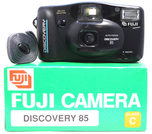 FujiFilm Discovery 85 35mm Camera Auto Focus Flash