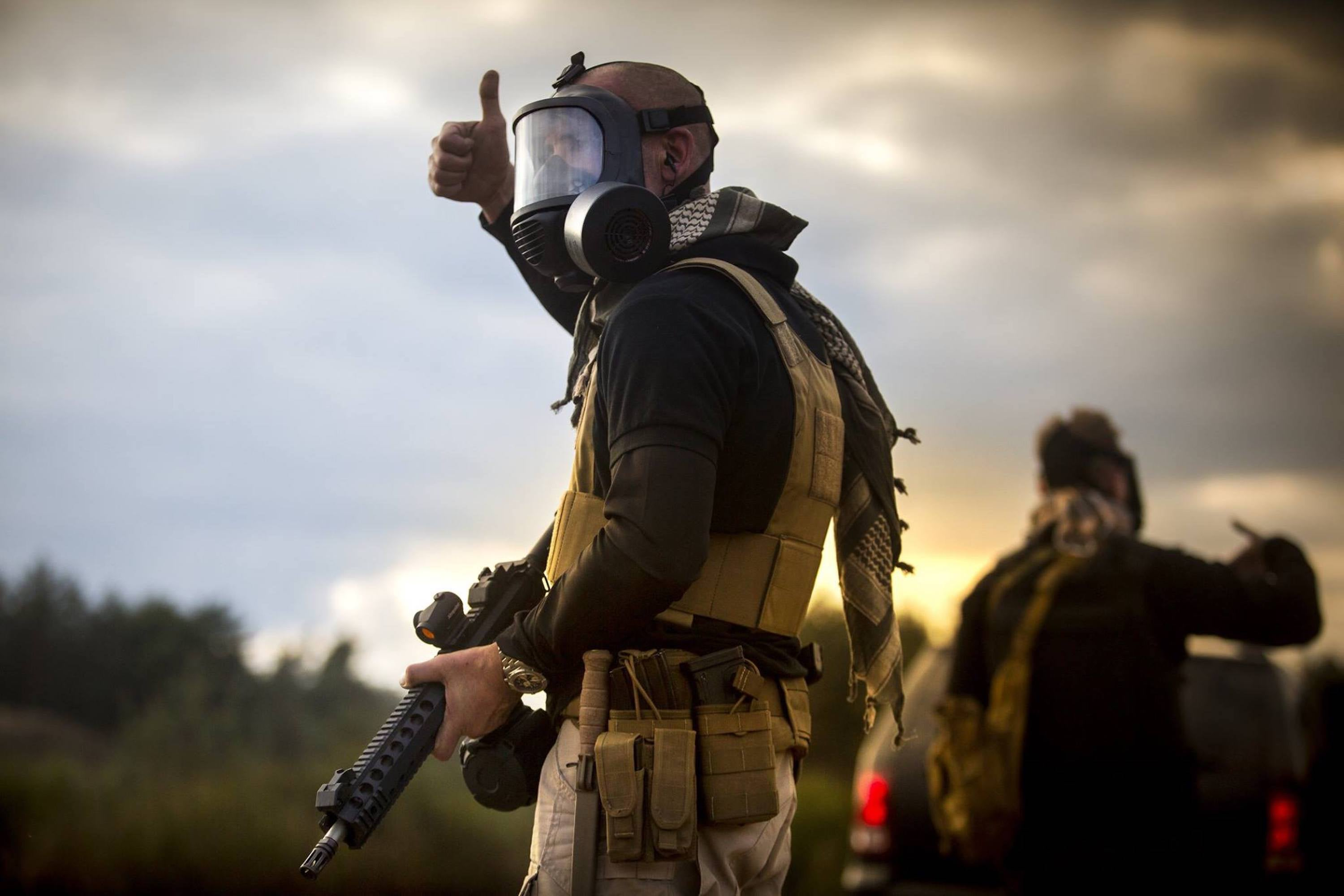 Military operator wearing the CM-6M tactical gas mask