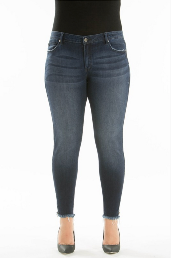 Plus Size Low Rise Super Skinny Jean With Frayed Hem