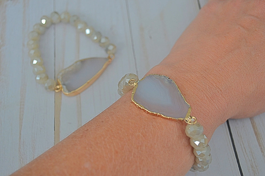 Neutral Crystal Stretch Bracelet with Agate Stone - Bubbles Gift Shoppe