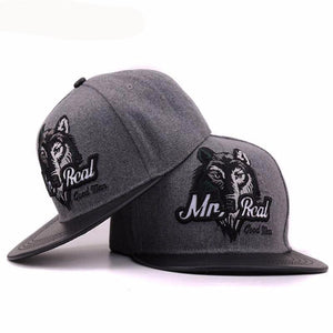 Grey Wolf Engraved Men's Baseball Cap