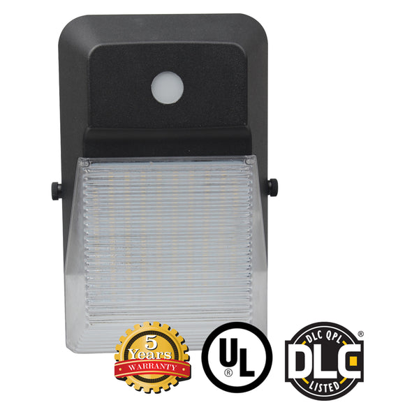 15W Mini LED Wall Pack Outdoor Entrance Building Light with Photocell, DLC - Green Solar LED