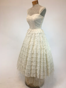 Anita 1950s Tiered Lace Wedding Dress, Size XS - Antiquaire Boutique