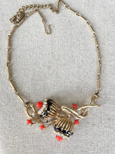 Unusual 1940s necklace with Black and Coral Detailing